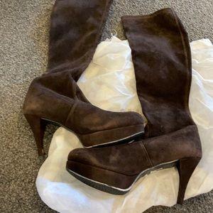 Size 6 Stuart Weizmann suede boots